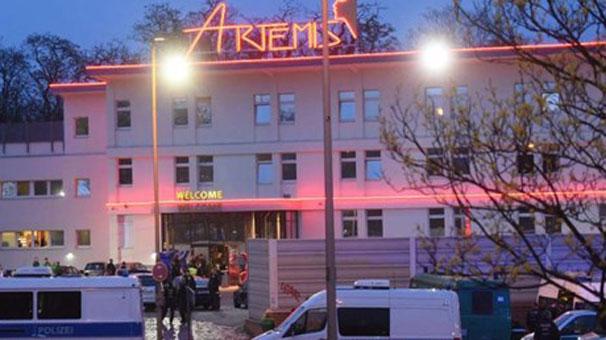 14:32 Almanya'da hayat kad�nlar� �al��t�ran Artemis'e bask�n