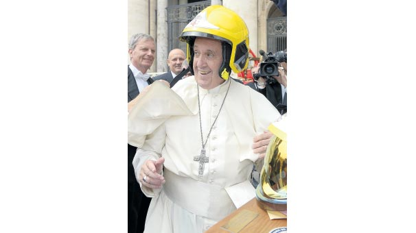 Kasklı Papa