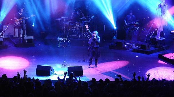 İlhan İrem 30 yıl sonra Bursa'da sahneye çıktı