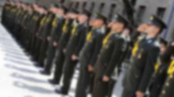 Askeri okullar kapatıldı