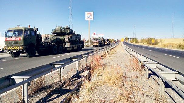 Irak sınırına ağır sevkiyat başladı