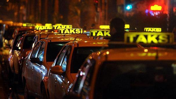 İstanbul'da taksi için 'indi-bindi' ücreti geliyor