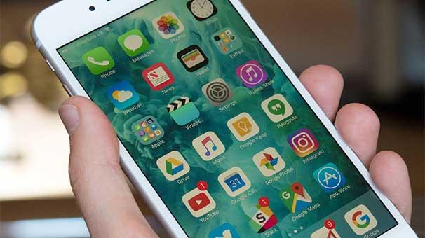 Kırmızı iPhone 7 Satışta!