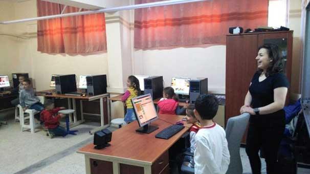 Ayvalık'ta Kodlama Eğitimi Köy Okullarında da başladı