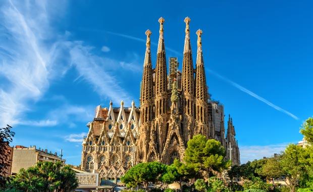 La Sagrada Familia en ünlü turistik cazibe merkezi