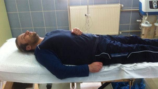 Sanat Camiasının Felaket Tellalı Onur Akay, Hastaneye Kaldırıldı ile ilgili görsel sonucu
