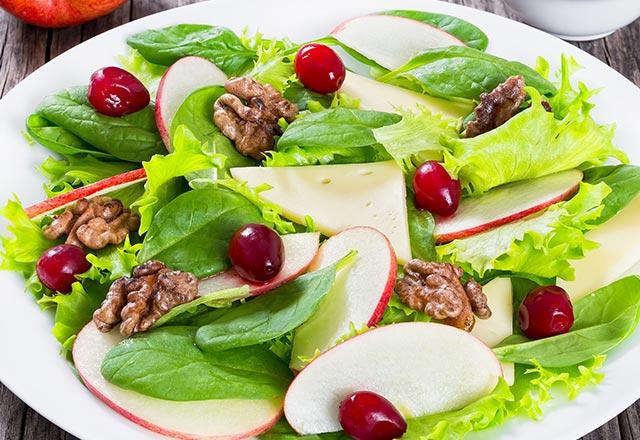 Elmalı ıspanak salatası