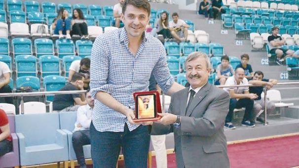 Milli Basketbolcu Mirsad Türkcan Uşak'ta