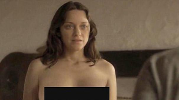 Marion Cotillard quot İsmail'in Hayaletleri quot filminde çırılçıplak soyundu