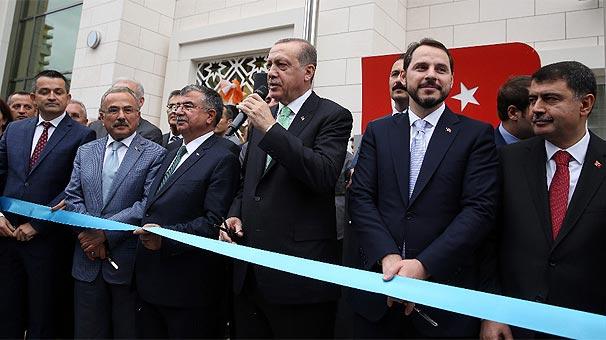 Turkcell'in inşa ettiği Sâmiha Ayverdi Anadolu Lisesi'ni Cumhurbaşkanı açtı
