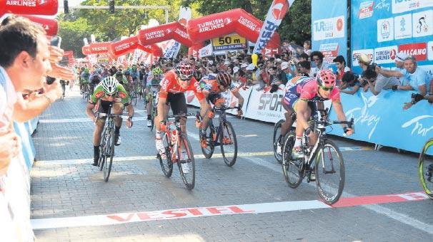 Bisikletçiler Selçuk'ta buluşuyor