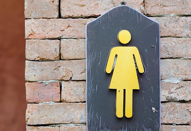Kadınlar erkeklerden daha sık idrar kaçırıyor!