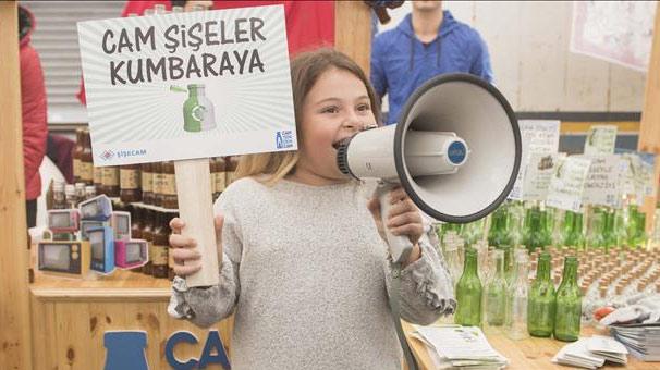 Şişecam, Mecidiyeköy halk pazarında camın geri dönüşümünü anlattı