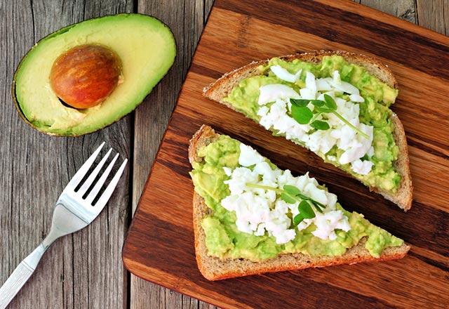 avokadolu tost ile ilgili görsel sonucu