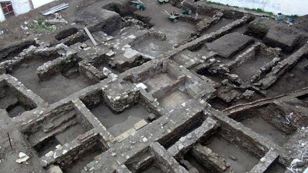 Şehrin göbeğinde tarihi kalıntılar