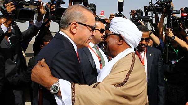 Erdoğan'dan Sudan (Ömer El Beşir) yorumu: 'Malumunuz darbeyle gelmiş bir siyasetçi değilim'