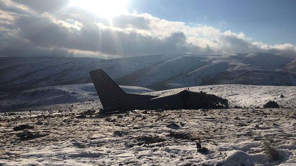 Son dakika: Isparta'da askeri eğitim uçağı düştü: 3 şehit
