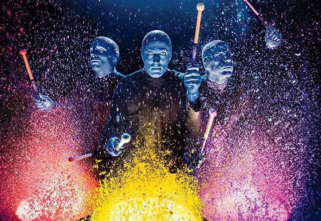 Dünyaca ünlü Blue Man Group'u izlemek için 7 sebep