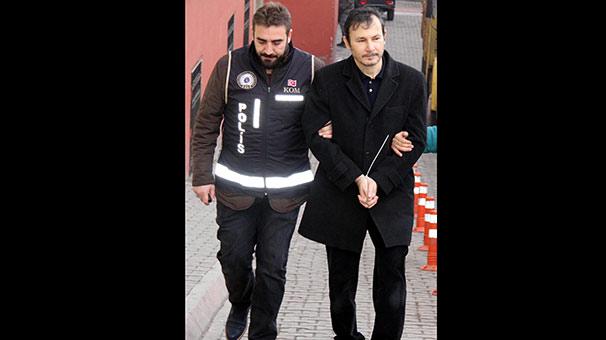 Eski dekan Murat Şen FETÖ'den tutuklandı
