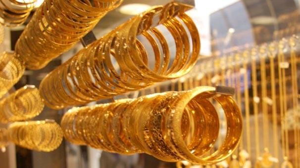 Kuyumcuları sahte altınla dolandırdılar