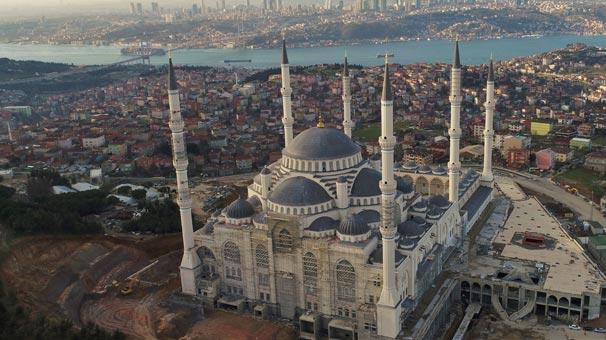 Yüzde 95'i tamamlanan Çamlıca Camii havadan görüntülendi