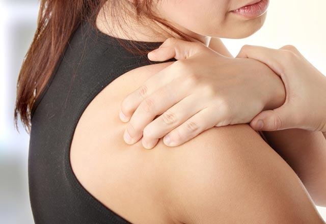 Karnın yanması ve midede ağrıların kesilmesi: nedenleri