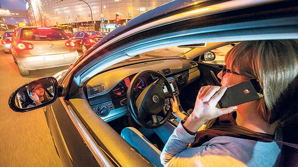 Trafik canavarı cep telefonu