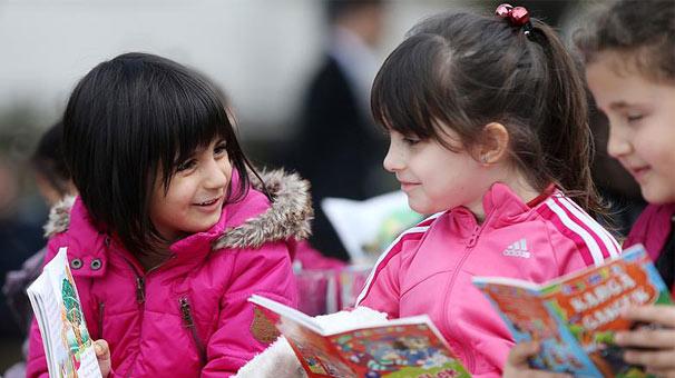 Çocuklara 'az ödev çok kitap' önerisi
