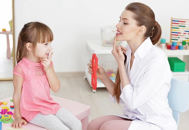 Çocuğunuzun konuşması ve dili nasıl gelişir?