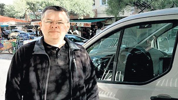 ABD'li papaz Andrew Craig Brunson, bir anda ağlamaya başladı