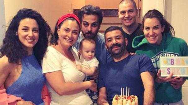 Bülent Şakrak'tan eşi Ceyda Düvenci'ye evde sürpriz doğum günü