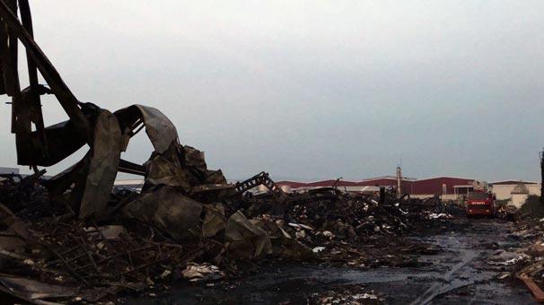 Sakarya'daki yangın sonrası fabrika bu hale geldi