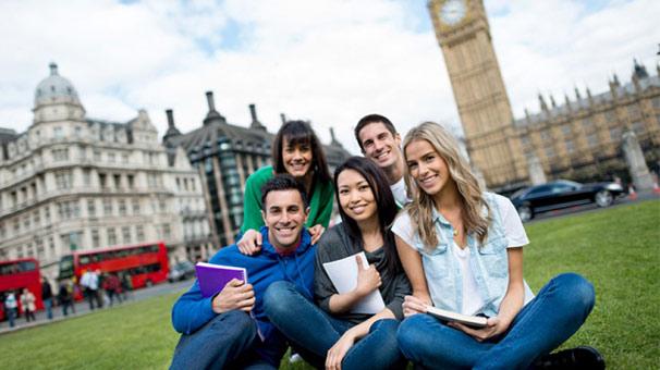 Yurtdışında dil okulu seçerken nelere dikkat etmek gerekiyor?
