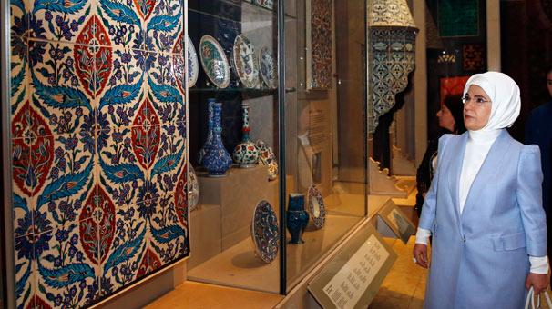 Emine Erdoğan, Victoria ve Albert Müzesi'ni ziyaret etti