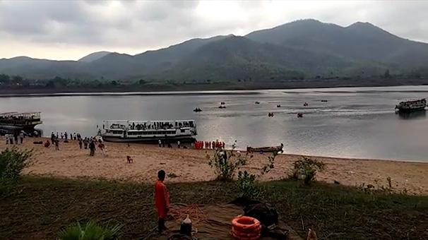 Hindistan'da 40 kişi hâlâ kayıp