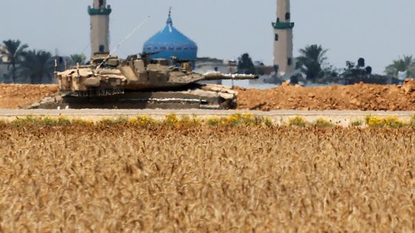 Son dakika... İsrail tanklarla vurdu!