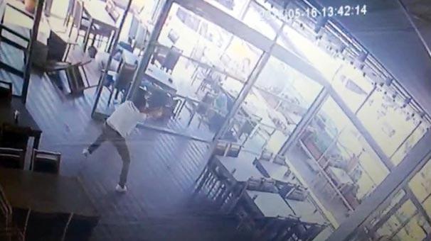 Son dakika: Kartal'daki kafede silahlı çatışma! Savaş alanına döndü...