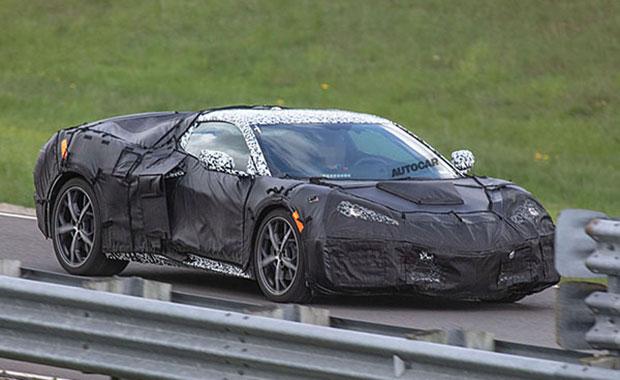 Yeni Chevrolet Corvette C8 kamuflajlı haliyle görüntülendi