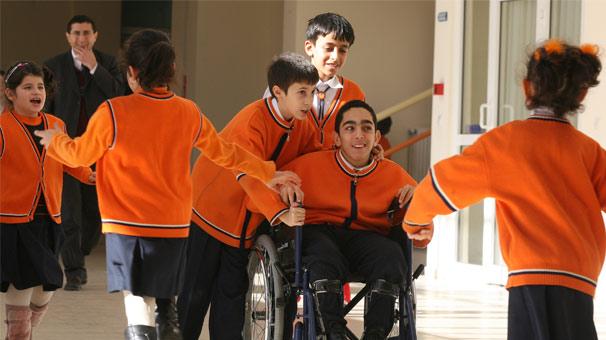 Engelli öğrencilerin eğitim desteği 16 milyar lirayı geçti