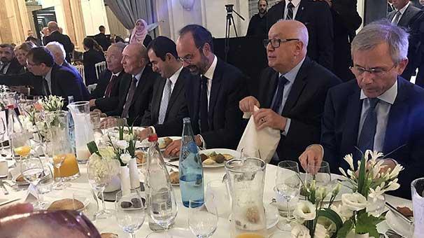 Fransa Başbakanı iftara katıldı