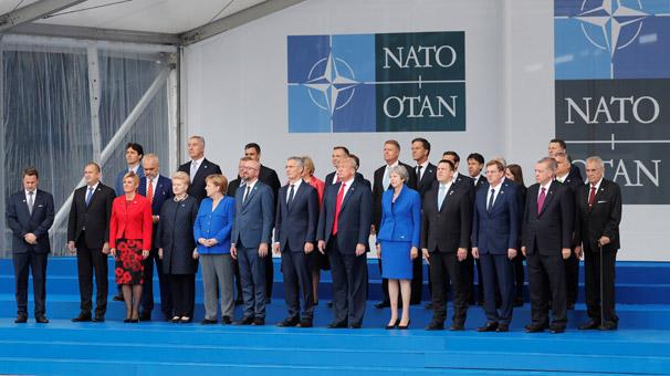 Son dakika... Kritik NATO zirvesi başladı! Başkan Erdoğan aile fotoğrafında...