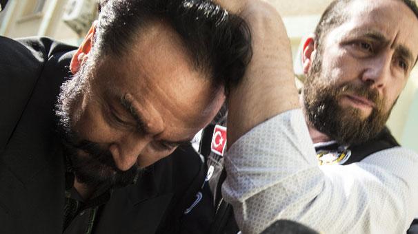 Son dakika: Adnan Hoca'nın büyük tuzağı ortaya çıktı! Polisler de var...