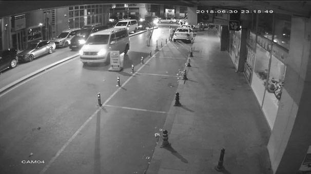 Karaköy'de taksiciye saldırı kamerada
