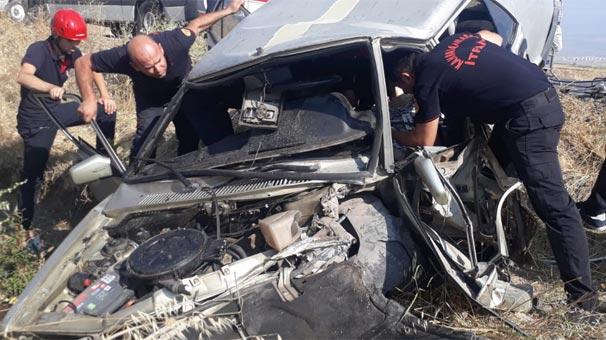 Korkunç kaza! Arabaya zor yaklaştılar...