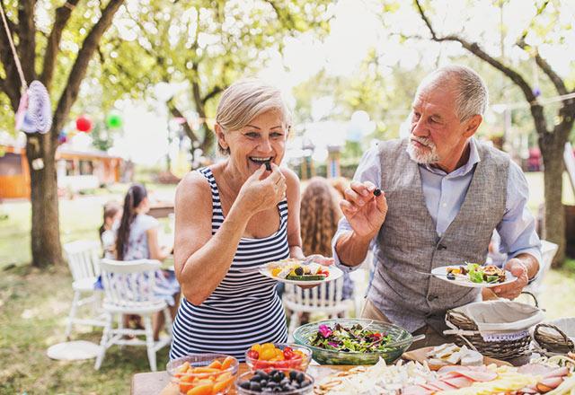 Yaşlılar için sağlıklı yaz geçirme rehberi