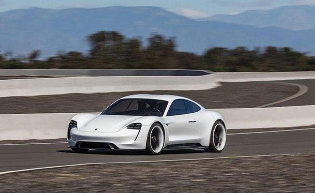 Porsche Taycan'ın ilk test sürüşü yapıldı