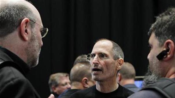 Steve Jobs çalışanlarından en iyi geri bildirimi almak için ne yapıyordu?