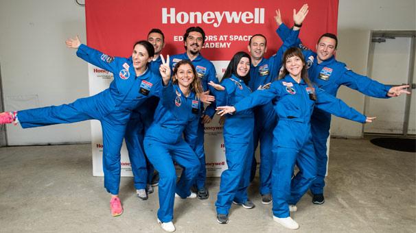 Honeywell Uzay Akademisi'ne sekiz Türk öğretmen katıldı