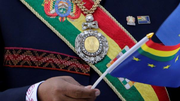 'Geneleve giden subay', Devlet Başkanı'nın madalyasını çaldırdı