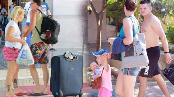 Manavgat'ta tatilcilere büyük şok! Valizini alan adeta kaçtı...